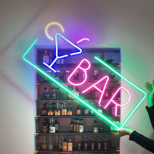 insegna luminosa bar