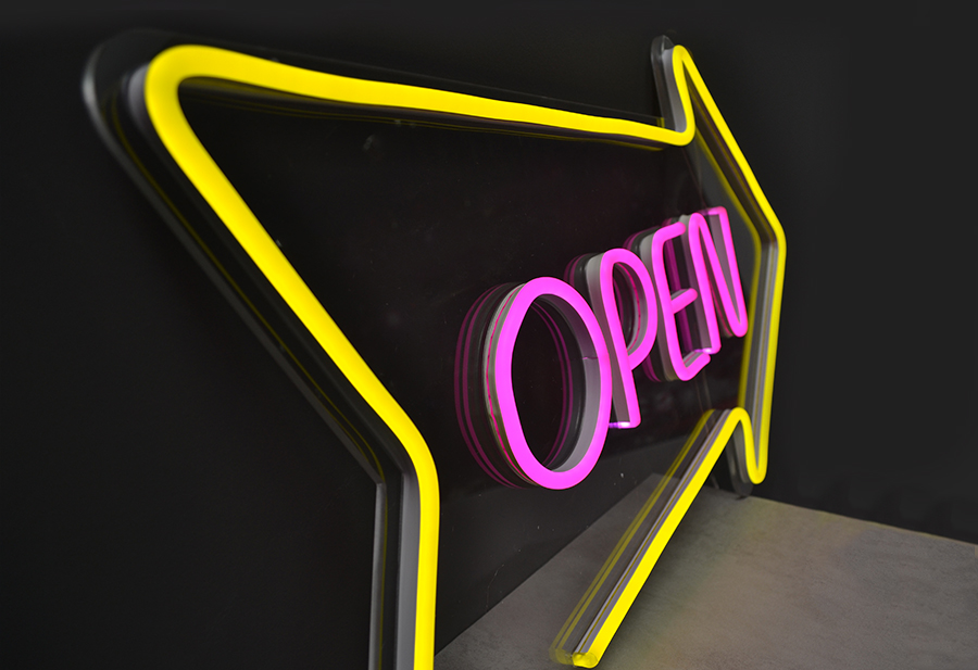 scritta led open
