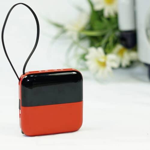 power bank minibox di colore rosso