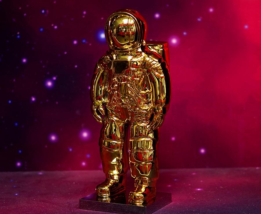 Statuetta di astronauta colore oro